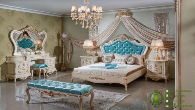 kamar set utama desain klasik ukiran (1)