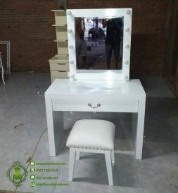 meja-rias-minimalis-lampu-harga-murah