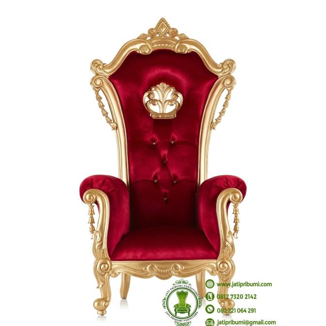 kursi warna emas jok merah bludru terbaru (1)